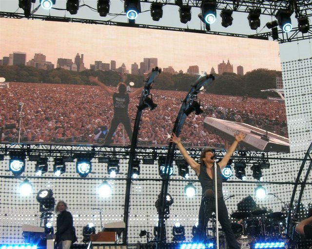 bon-jovi-concert-in-central-park.jpe