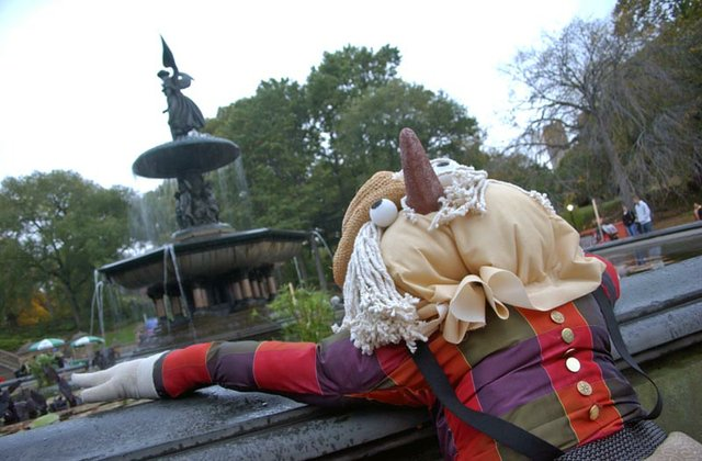 Scarecrow Fountain