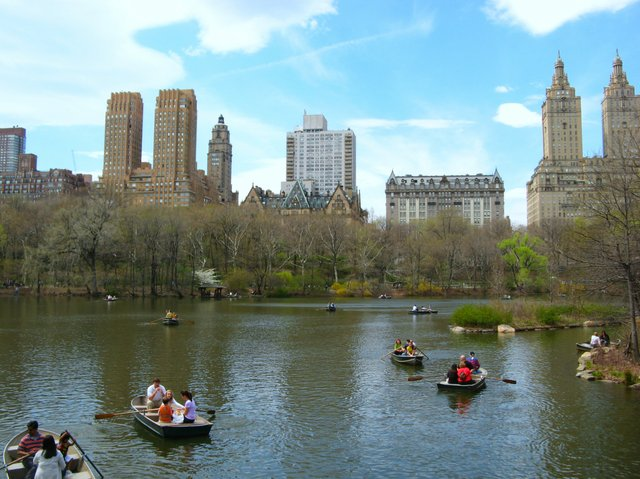 boaters by the bow bridge