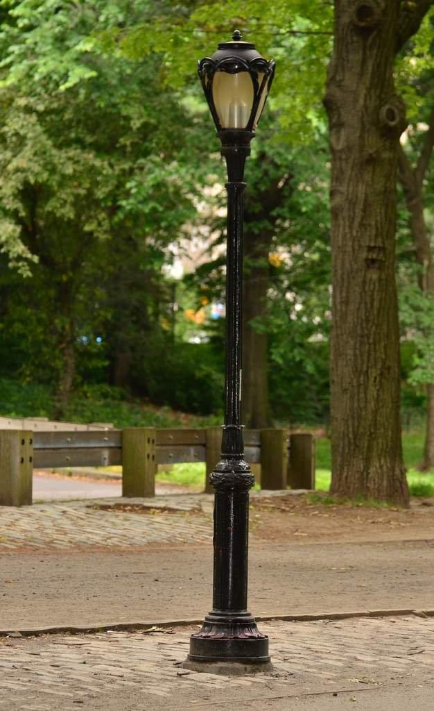 Lady Lamp post