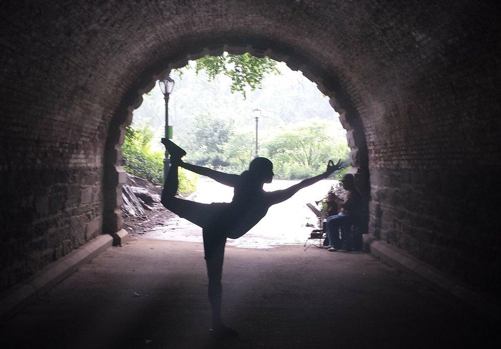Tunnel Yoga