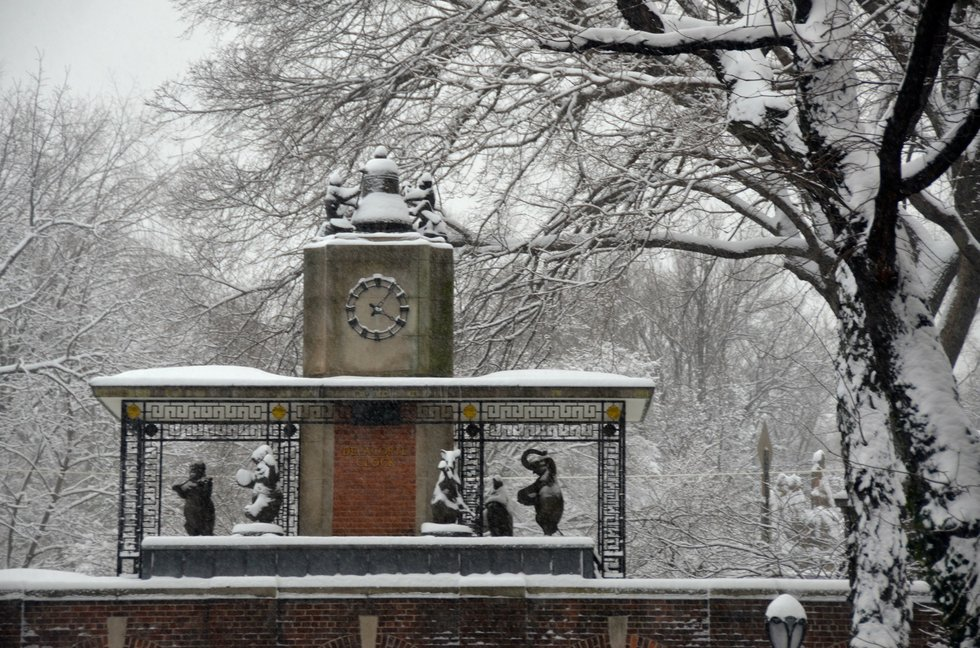 delacorte clock
