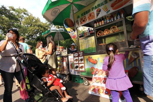 Central_Park_Pushcart.jpg.jpe
