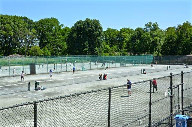 tennis1.jpg.jpe