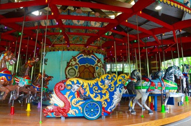 carousel2016.jpg.jpe