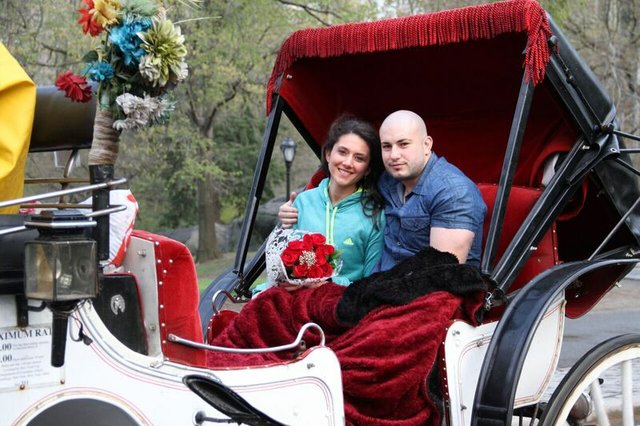 Horse & Carriage Couple