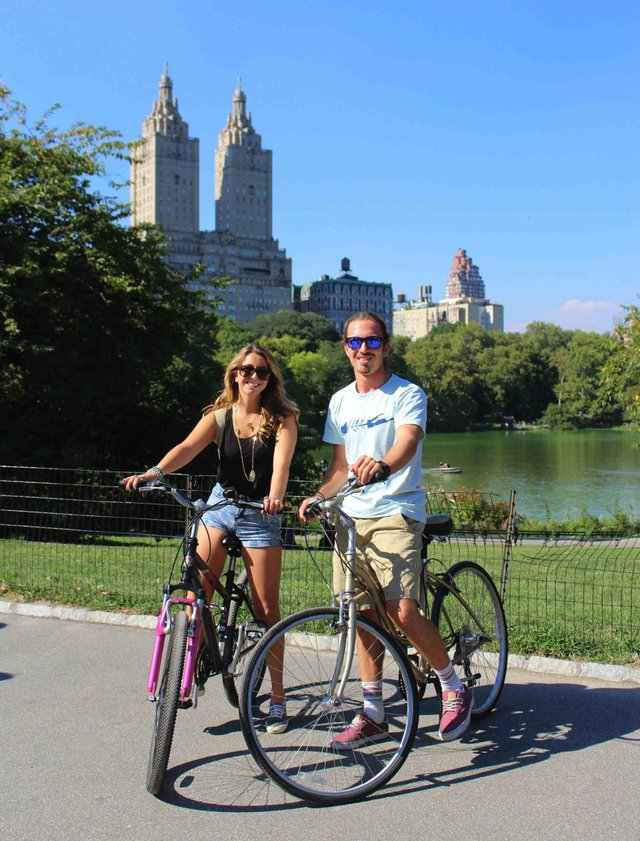 Bike rentals and tours couple