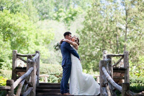 intimate-wedding-shakespeare-garden-2.jpg