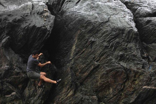 bouldering.jpg