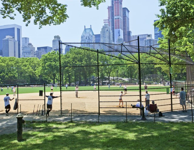 softball-baseball-game.jpg