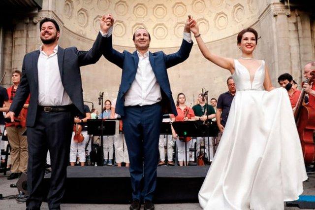 Opera Italiana Is In The Air